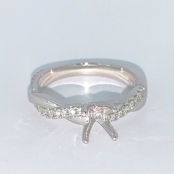 Diamond Twist Ring Mounting
