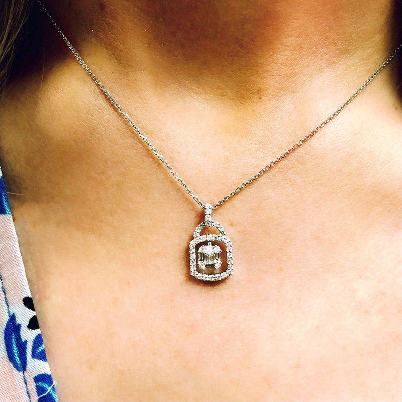 Decor Diamond Pendant