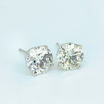 3.42ctw Diamond Stud Earrings
