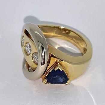 2 Tone Sapphire and Diamond Ring