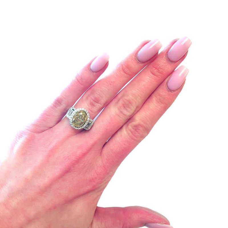 Decor Fancy Yellow Oval Diamond Halo Ring
