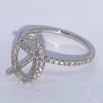 Oval Diamond Halo Engagement Ring Mounting