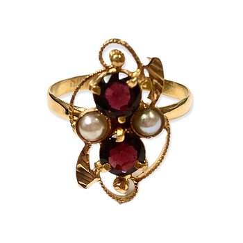 Vintage Garnet & Pearl Ring
