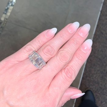 2.66ctw Baguette & Round Diamond Band