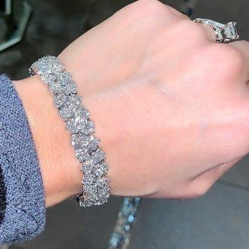 15.80ctw Designer Diamond Cluster Bracelet