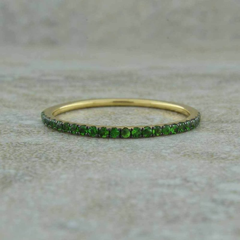 B&C Collections Green Garnet Band
