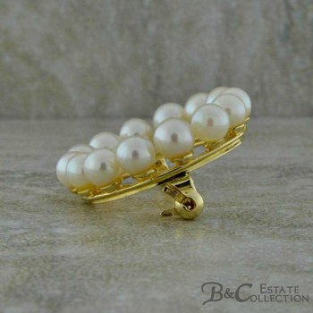 Pearl Circle Pin