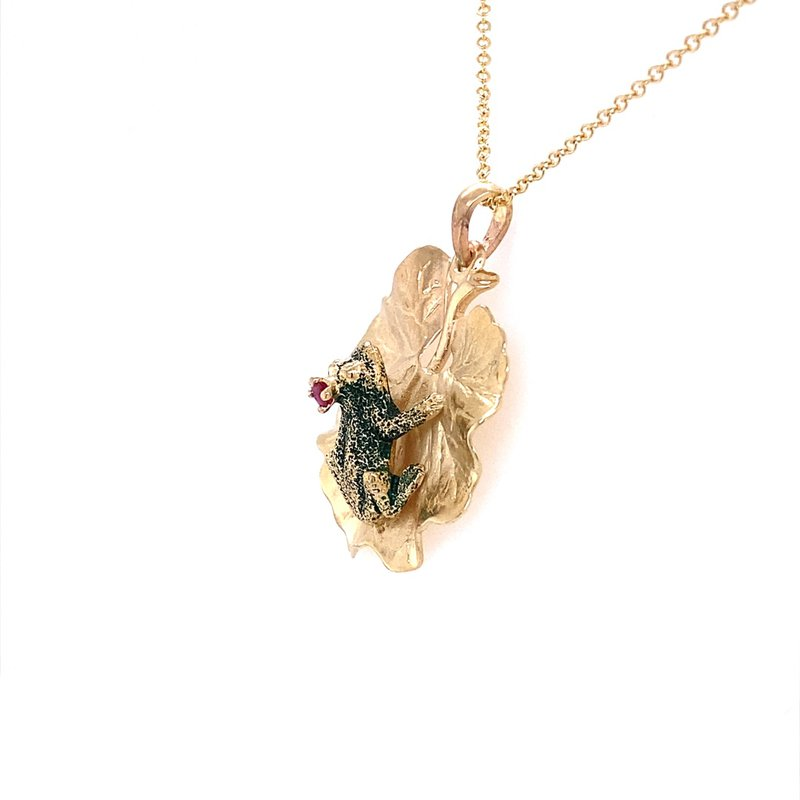 B&C Estate Collection Frog on a Lily Pad pendant
