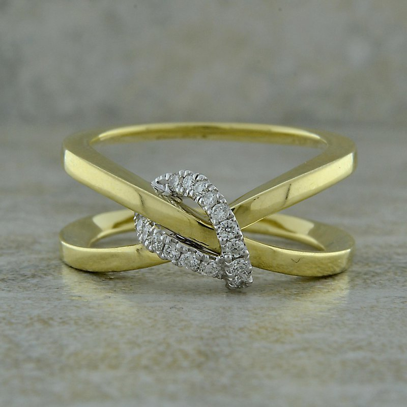 B&C Collections Knot Crossover Ring