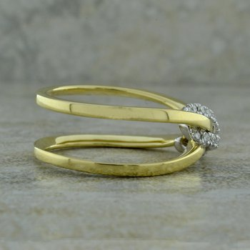 Knot Crossover Ring