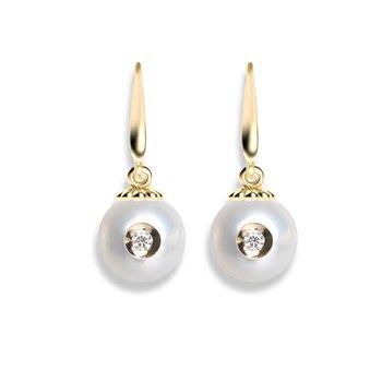 Diamond Embedded Fresh Water Pearl Earrings
