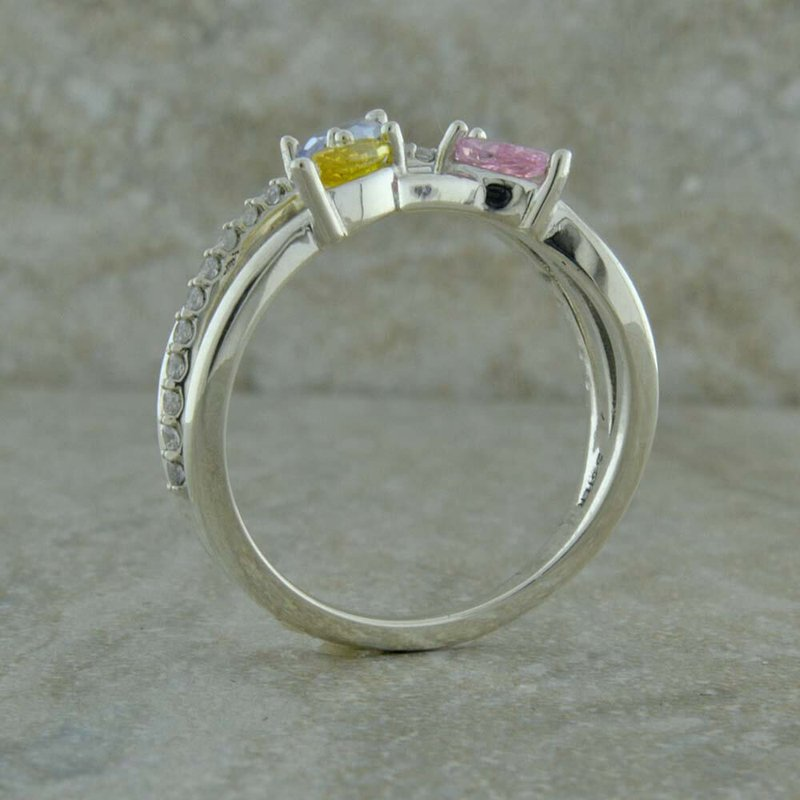 Uniquely Yours . . .  Freeform Mother's Ring