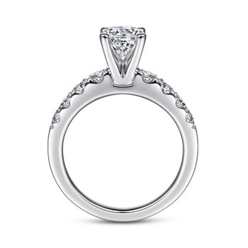 Graduating Side Stone Engagement Ring