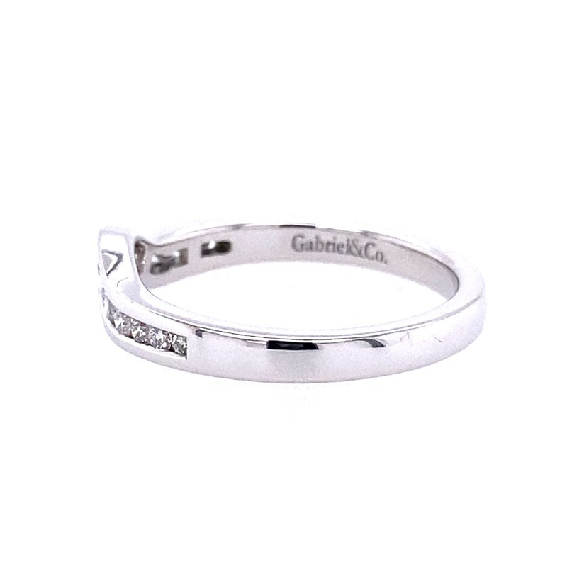Gabriel & Co. -  IN-STORE COLLECTION 14KW  Curved Diamond Band