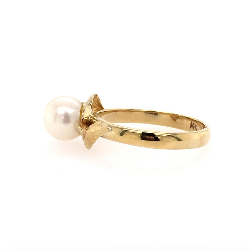 B&C Estate Collection Cultured Pearl Ring