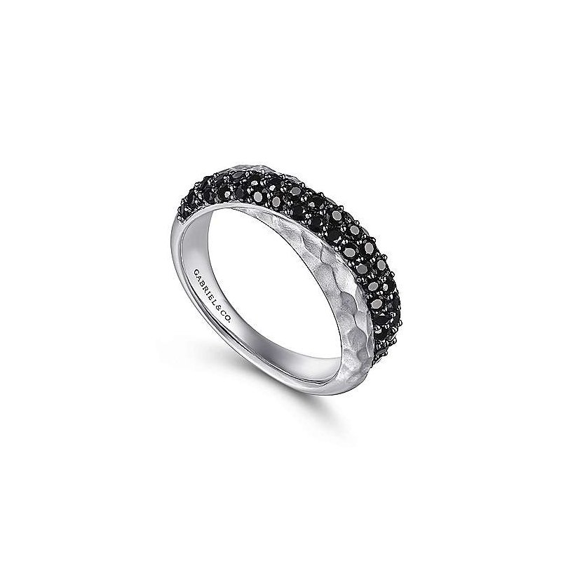 Gabriel & Co. -  IN-STORE COLLECTION Black Spinel Hammered Cross Over Band