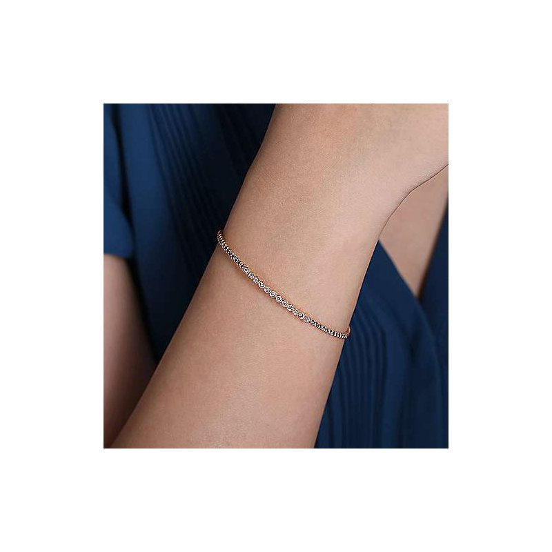 Gabriel & Co. -  IN-STORE COLLECTION Bujukan Bangle with 12 Diamonds