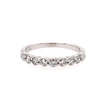 Scallop Detail Diamond Anniversary Wedding Band