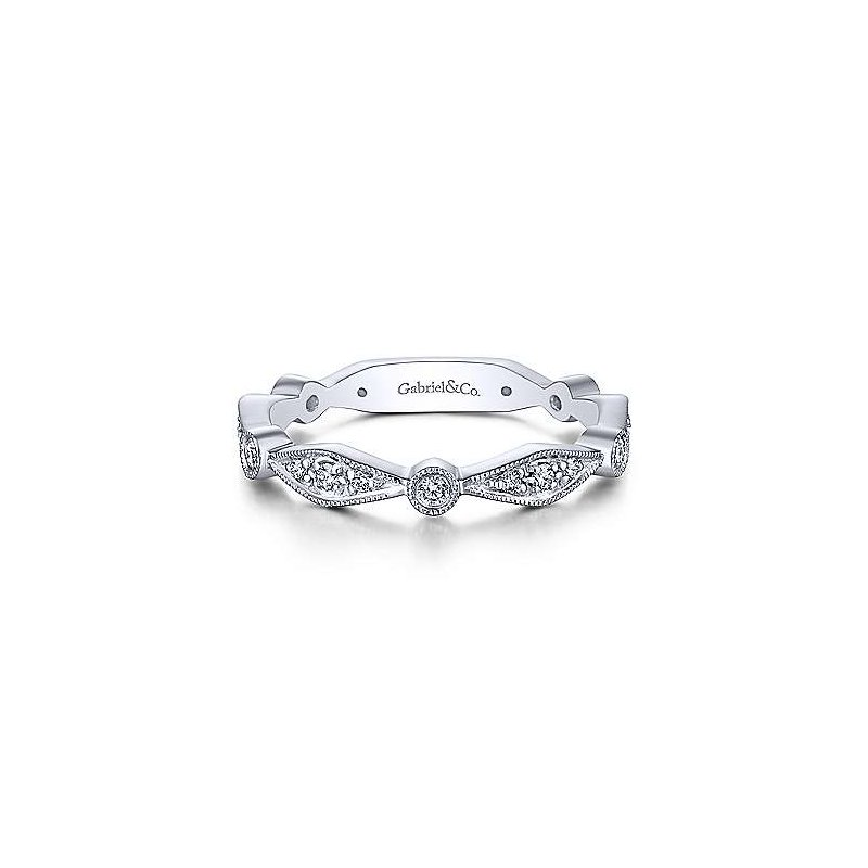 Gabriel & Co. -  IN-STORE COLLECTION Angular Shaped Station Diamond Band