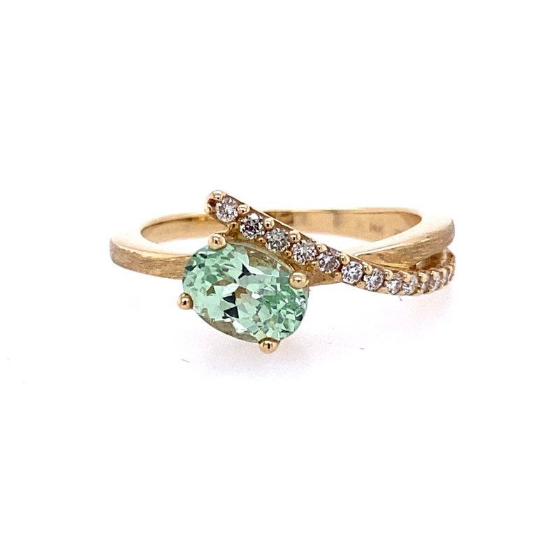 Parlé Mint Garnet and Diamond Ring