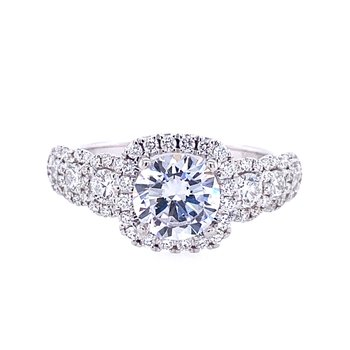 Engagement Ring with Graduating Side Diamonds