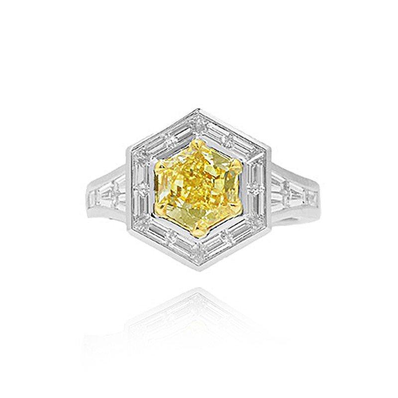 Jordan Widdes Creations 1.74ct Fancy Yellow Hexagonal Diamond Ring set with 20 white Baguettes &18K gold