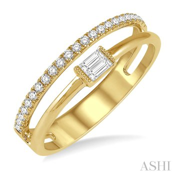 14KY Diamond Fashion Ring w/ 0.20 ctw Size 6.5