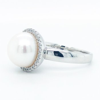 14KW Freshwater Pearl and Diamond Ring w/ 0.16 ctw, Size 7