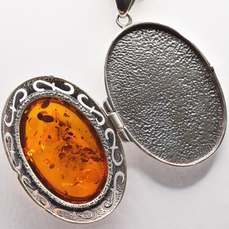 """Estate Sterling Silver Amber Pendant and 18"""" Snake Chain"""
