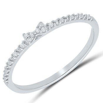 Lady's 10k White Gold Diamond Ring