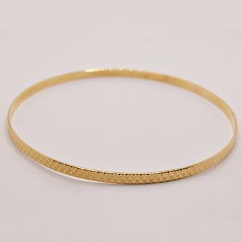 10KT Yellow Gold Diamond Cut Bangle
