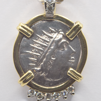 19KT Yellow and White Gold Pendant with 0.18tw Diamond