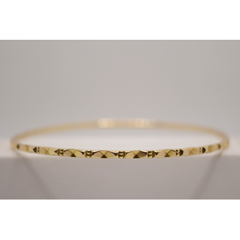 9KT yellow gold Bangle