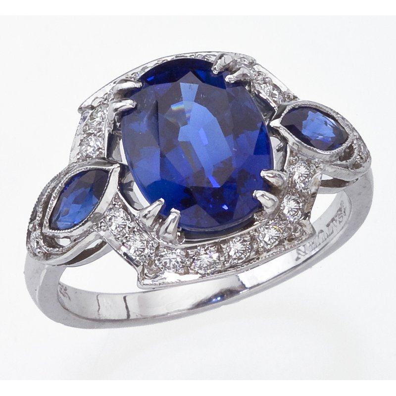 Stunning Sapphire and Diamond Ring