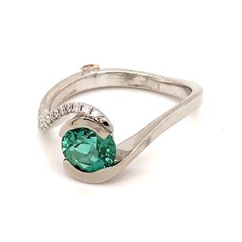 Mint tourmaline and diamonds fashion ring