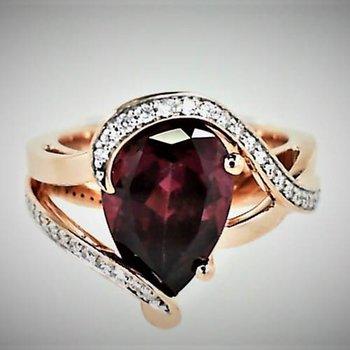 Rose 14 Karat Pear Rhodolite Garnet Ring