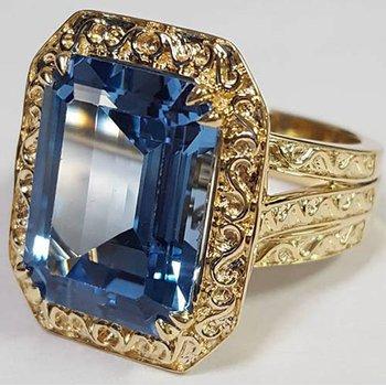 Yellow 14 Karat Blue Topaz Fashion Ring