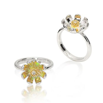 Galatea Daisy Ring from Gloria Collection