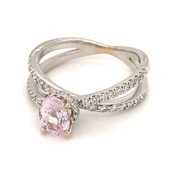 Pink sapphire and diamonds fashion ring