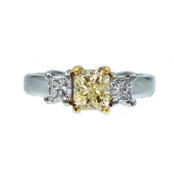 YELLOW AND WHITE 3-STONE  DIAMOND RING