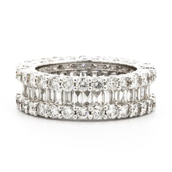 ETERNITY RING WITH ROUND AND BAGUETTE DIAMONDS