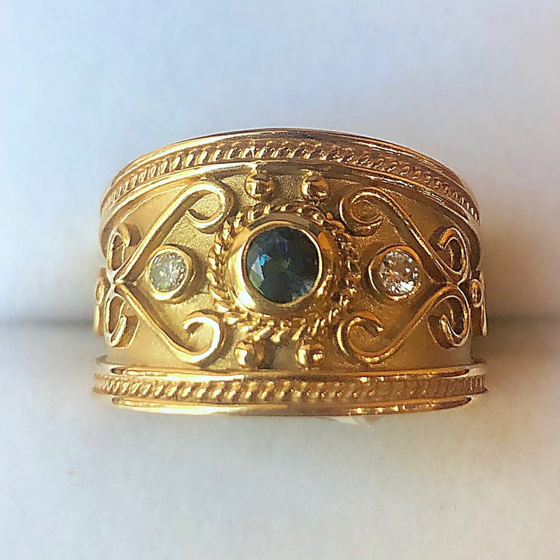 Estate Jewelry Contemporary Gold Sapphire Ring
