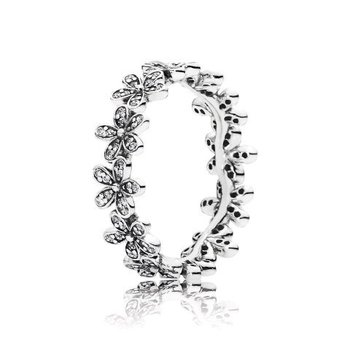 Daisy Flower Ring, size 7.0