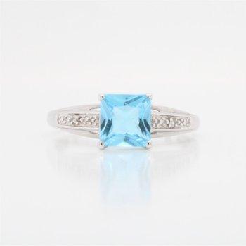 10K Sky Blue Topaz Ring