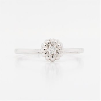 10k Diamond Flower Ring