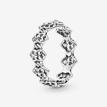 Rose Petals Band Ring, size 7.5