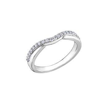 14K Curved Diamond Band, 0.25 TDW