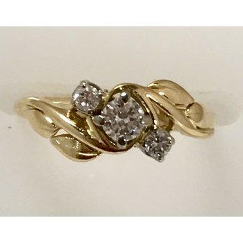 """18KY """"Birk's"""" Diamond Ring"""