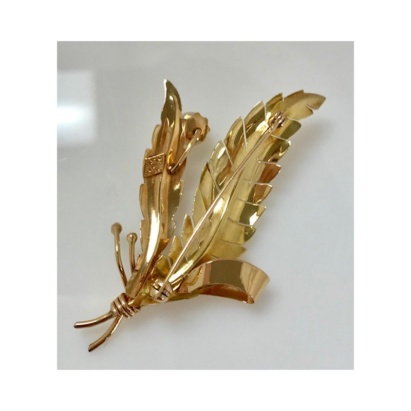 Estate Specials 18k Leaf Brooch with Pearl