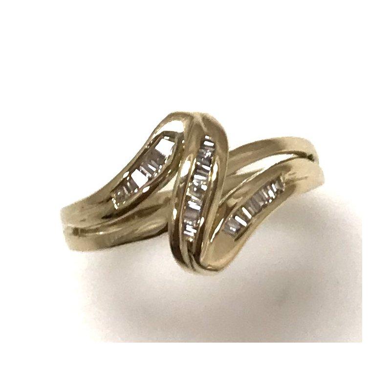 Estate Specials 10KY Freeform Diamond Ring
